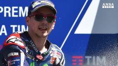 Rossi rompe motore e si ritira al Gp Italia
