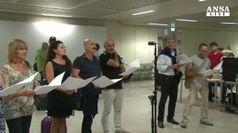Flash mob a Fiumicino per salutare partenza azzurri per Rio