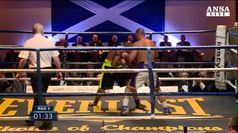 Tragedia a Glasgow, dopo ko muore scozzese Towell