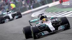 F1, Hamilton in pole