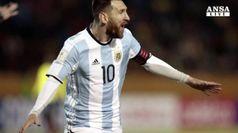 Triplo Messi salva l'Argentina