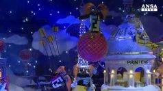 Nicole Kidman inaugura stagione natalizia a Parigi