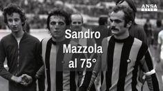 Sandro Mazzola segna il gol n.75