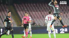 Serie A, il Napoli vince e resta in vetta