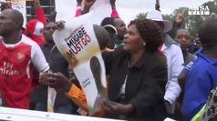 Corteo pro militari contro Mugabe