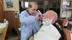 90 e 83 anni, sfida tra vecchi barbieri d'Italia