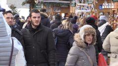 Natale: folla ai mercatini di Aosta