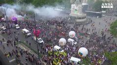 Scontri alle proteste contro Macron