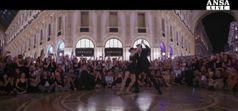 Danza: Galleria Milano invasa da centinaia di tangueros