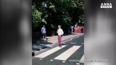 Paul McCartney torna sulle strisce ad Abbey Road