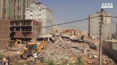 India, crollato edificio in costruzione almeno 3 morti