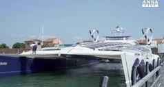 A Venezia il catamarano 'Energy Observer'