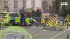 Auto contro Westminster, arrestato sospettato di terrorismo