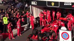 Show delle Ferrari nel cuore di Milano
