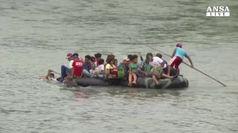 Carovana di migranti riprende avanzata verso Usa