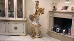 Affreschi in cucina e cavalli dorati, il lusso secondo i Casamonica