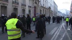 Francia, oltre 400 feriti a manifestazione Gilet gialli