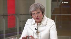 Gran Bretagna, la May sfida i ribelli
