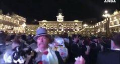 A Trieste il valzer piu' grande del mondo