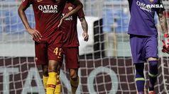 Il Napoli schiaccia il Frosinone e torna a -8 dalla Juve