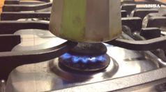 Bolletta luce ferma, aumenta gas, si tratta per pedaggi