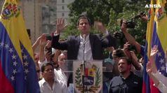 Venezuela, Juan Guaido si autoproclama presidente
