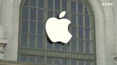 Apple taglia produzione iPhone.Ma da' compensi milionari