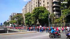 Venezuela, opposizione in piazza per Guaido'