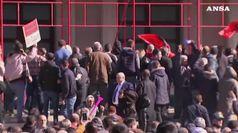 Albania, opposizione assalta sede del governo