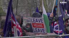 Brexit: Ue vuole chiarezza, May in pressing sui ribelli