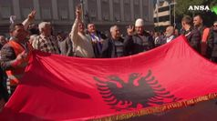 Albania, tensione manifestanti-polizia