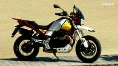 Moto Guzzi svela V85TT, la 'classic enduro' votata al turismo