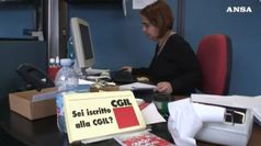 Salario minimo per legge spaventa sindacati e imprese