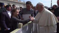 Papa Francesco saluta Greta: