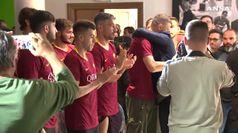 L'addio alla Roma, per De Rossi l'ultimo abbraccio alla squadra