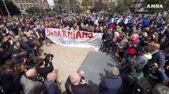Centinaia di napoletani in piazza per Noemi