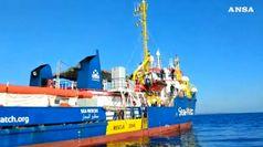 Migranti, la Sea Watch in acque italiane