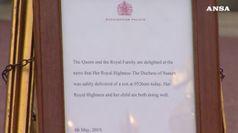 E' nato il Royal baby, l'annuncio affisso a Buckingham Palace