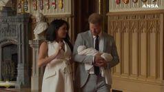 Harry e Meghan presentano il piiccolo Archie