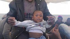 Salvati dalla Sea Watch 65 migranti a 30 miglia dalla Libia