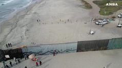 Trump vuole barriera col Messico con pali d'acciaio