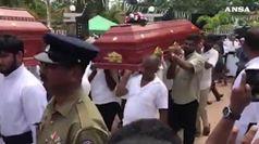 Un mese dopo le bombe, Sri Lanka sotto choc