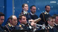 Calcio: la banda della Polizia omaggia gli azzurri a Coverciano