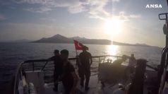 Almeno 8 persone morte in un naufragio nell'Egeo