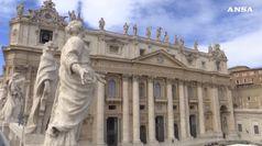 Papa: rimuove vescovo che permise suora celebrasse nozze