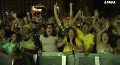 Facce da tifo: la gioia dei brasiliani e la delusione degli argentini