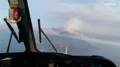 Canadair sullo Stromboli per spegnere ultimi focolai