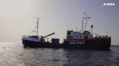 Migranti, braccio di ferro anche sulla Alan Kurdi
