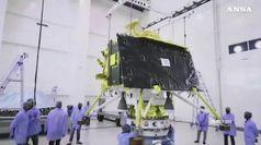 Rinviato il lancio della sonda indiana per la Luna