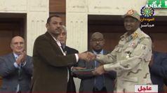 Sudan, firmato l'accordo tra giunta militare e civili